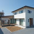 オシャレで家事楽なL字型の新築。水戸市で自然素材にこだわったゼロエネルギー住宅なら鈴木建装。
